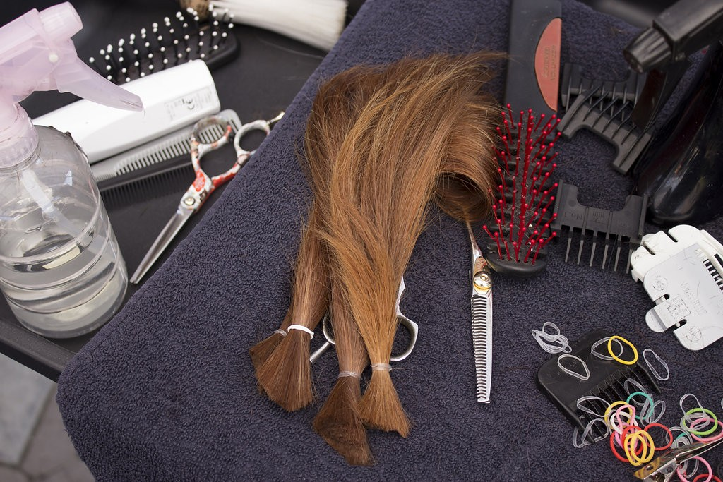 Kelowna Hair Salon - Plan B supports cuts for a cure - cut locks ready to be donated