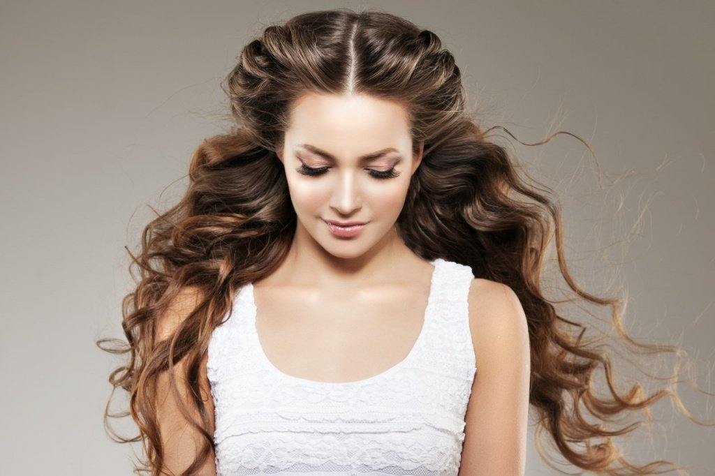 Kelowna Hair Salon's Quick Hairstyles for Busy Mornings